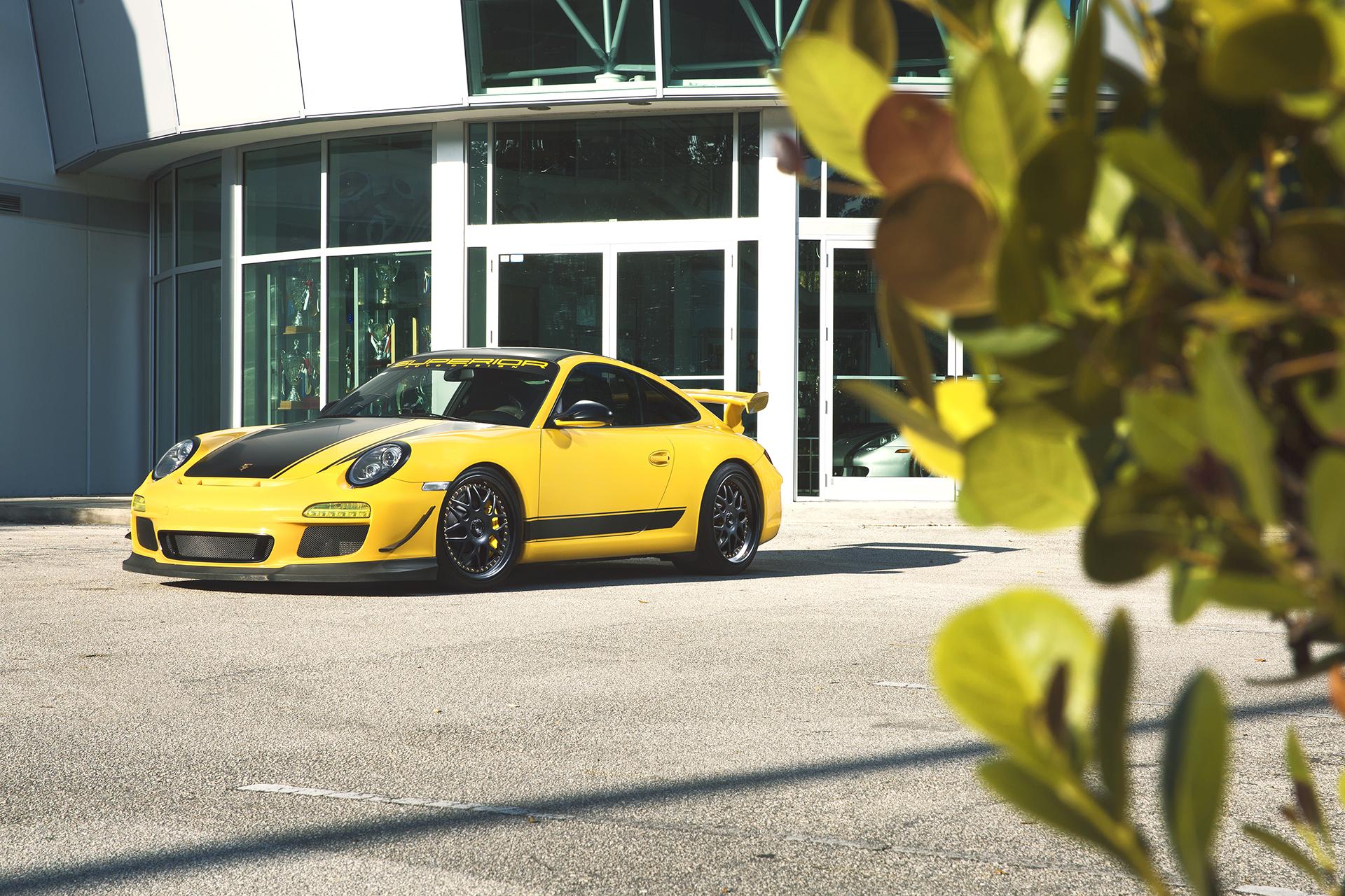 Yellow Porsche GT3