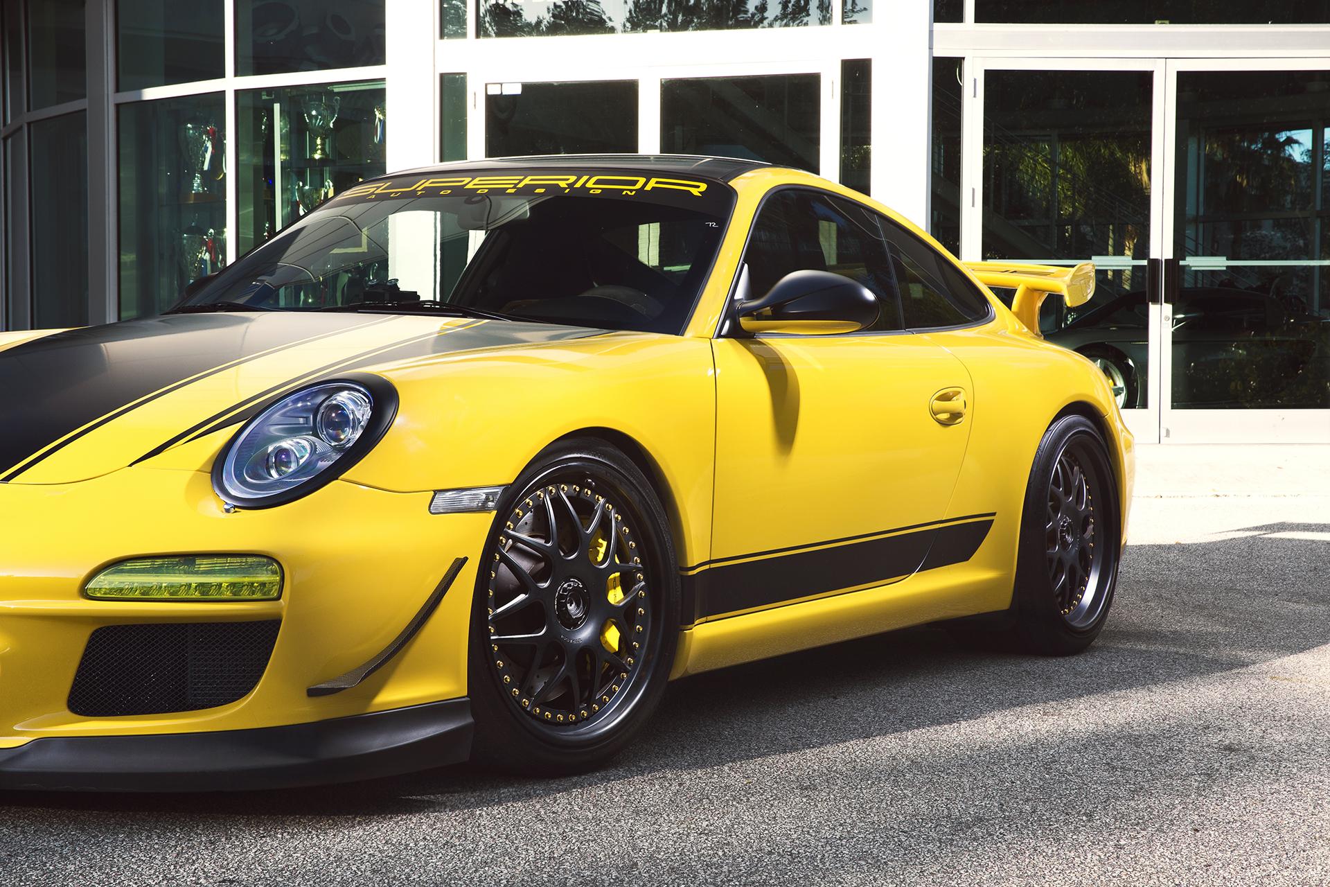Yellow Porsche GT3 2